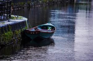 Barca abandonada en Galway
